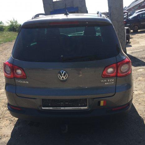 Dezmembrez Volkswagen Tiguan 2011
