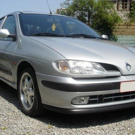 Far dreapta Renault Megane 1 , Scenic 1  PH1 (1996-1999).