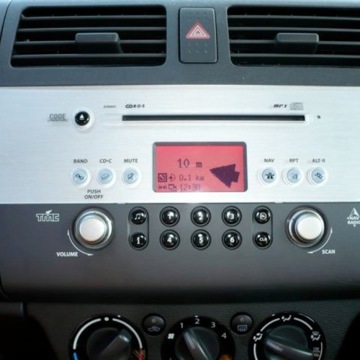 Radio Mp3 PLayer Navigatie Suzuki Swift 2