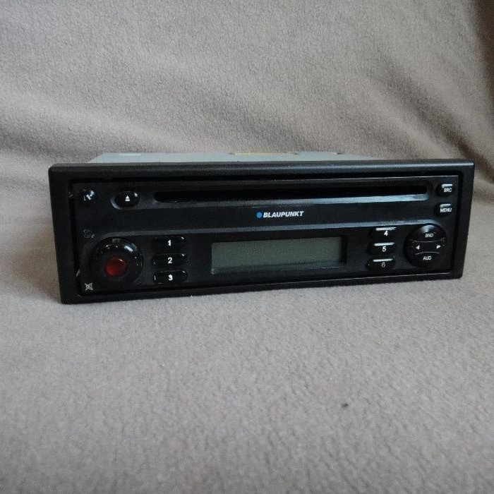 Radio cd player dacia blaupunkt logan duster