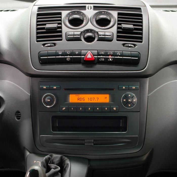 Radio MP3 Player Mercedes Vito Viano Sprinter Sound 5 A class crafter