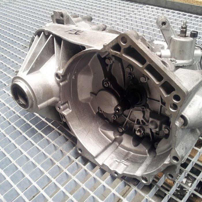 Volkswagen T5 1.9 TDI 5 trepte 2004-2012 02Z300045S cutie de viteze Vw